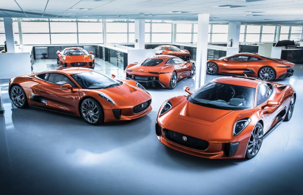 De zes voertuigen uit de film bij elkaar.  © Mark Fagelson