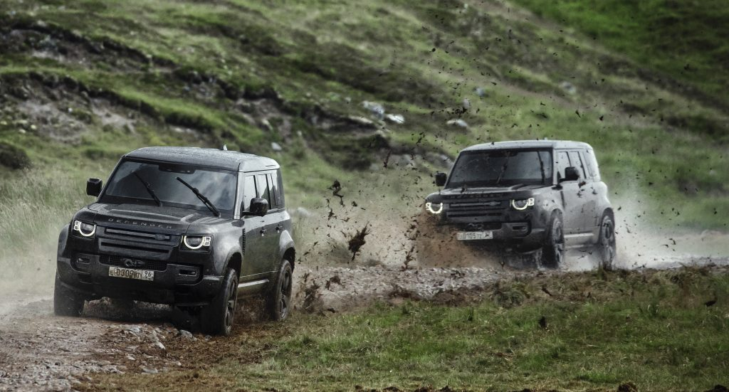 No Time To Die Land Rover Defender 2020 011
