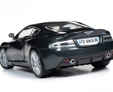 Round 2 Aston Martin DBS V12 Casino Royale Quantum Of Solace 1-18 006