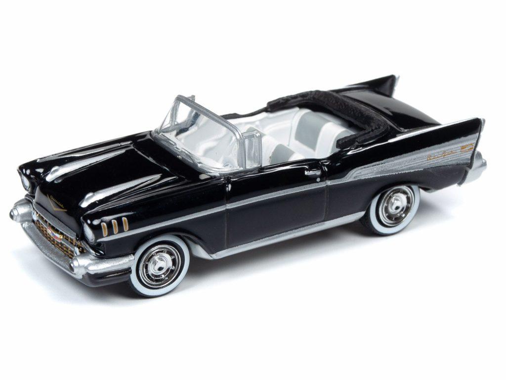 Round 2 Chevrolet Bel Air Dr No diorama 1-64 003